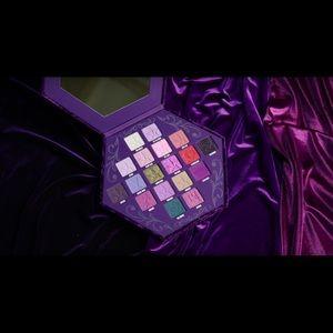 Jeffree Star Blood Lust Palette